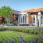 Review : รีโนเวทบ้านเก่า ให้เป็นบ้านหลังใหม่ที่น่าอยู่ สวยงามหรูหราทั้งภายนอกและภายใน
