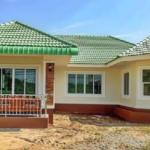 บ้านชั้นเดียวหลังคาสีเขียว สไตล์ร่วมสมัย 4 ห้องนอน 2 ห้องน้ำ ตกแต่งเรียบง่ายแต่มีเอกลักษณ์