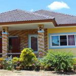 บ้านชั้นเดียวสไตล์คอนเทมโพรารี่ 4 ห้องนอน 2 ห้องน้ำ ตกแต่งในโทนสีอ่อนโยน สร้างด้วยงบประมาณแค่ล้านต้นๆ