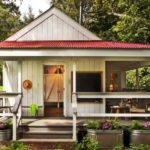 บ้านไม้คอทเทจชั้นเดียว ดีไซน์น่ารักน่าอยู่ พักผ่อนเอนกายใต้ธรรมชาติแสนอบอุ่น