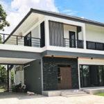 บ้านสองชั้นสไตล์โมเดิร์น 3 ห้องนอน 4 ห้องน้ำ พร้อมชั้นดาดฟ้าและบันไดวน ดีไซน์เพื่อคนรักกิจกรรมกลางแจ้ง