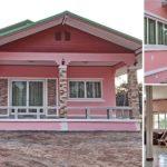 บ้านหน้าจั่วชั้นเดียวแนวชนบท โทนสีชมพู 3 ห้องนอน 1 ห้องน้ำ พื้นที่ใช้สอย 128 ตร.ม.