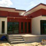 บ้านยกพื้นสไตล์โมเดิร์น 3 ห้องนอน 2 ห้องน้ำ พร้อมพื้นที่ใช้สอย 95 ตารางเมตร