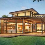 แบบบ้านไม้สองชั้นสไตล์โมเดิร์น 3 ห้องนอน 3 ห้องน้ำ ออกแบบด้วยงานไม้ บรรยากาศอบอุ่นทั้งหลัง
