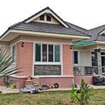 บ้านสไตล์คอนเทมโพรารี ตกแต่งโทนสีหวาน 3 ห้องนอน 2 ห้องน้ำ พร้อมพื้นที่ใช้สอย 179 ตารางเมตร