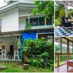 บ้านไม้กึ่งปูนสองชั้น ใต้ถุนโล่ง ดีไซน์พื้นกระเบื้องโทนสีฟ้าขาว และห้องนั่งเล่นชั้นสองดีไซน์ผนังกระจกใส