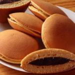 """ย้อนวัยเด็กไปกับ """"โดรายากิไส้ถั่วแดง"""" ขนมสุดโปรดของโดราเอม่อน"""