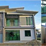 บ้านสองชั้นสไตล์โมเดิร์น ดีไซน์หลังคาทรงปีกนก 3 ห้องนอน 3 ห้องน้ำ งบก่อสร้างอยู่ 2 ล้านต้นๆ