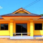 บ้านชั้นเดียวรูปทรงร่วมสมัย ดีไซน์หลังคาทรงมะนิลา สวยเด่นด้วยโทนสีเหลืองสดใส