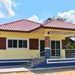 บ้านชั้นเดียวสไตล์คอนเทมโพรารี ตกแต่งในโทนสีเหลืองอ่อน ขนาด 3 ห้องนอน 1 ห้องน้ำ ราคาก่อสร้าง 950,000 บาท