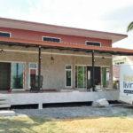 บ้านยกพื้นต่ำสไตล์โมเดิร์นลอฟท์ ออกแบบเพื่อการพักผ่อน เหมาะทำเป็นรีสอร์ทปล่อยเช่า สร้างด้วยงบประมาณ 1.5 ล้านบาท