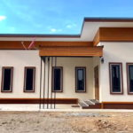 บ้านชั้นเดียวหลังเล็ก ออกแบบสไตล์โมเดิร์น 2 ห้องนอน 1 ห้องน้ำ พร้อมที่จอดรถ งบก่อสร้าง 650,000 บาท
