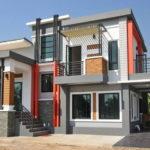 บ้านสองชั้นสไตล์โมเดิร์นทรอปิคอล มีระเบียงชั้นสอง พร้อมที่จอดรถ ขนาด 3 ห้องนอน 2 ห้องน้ำ (ก่อสร้างจังหวัดอุตรดิตถ์)