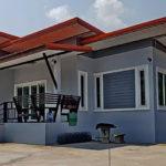 บ้านโมเดิร์นชั้นเดียว โทนสีฟ้าอมเทา 3 ห้องนอน 2 ห้องน้ำ ดีไซน์เรียบง่ายแต่ครบทุกการใช้งาน