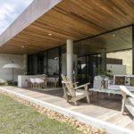 บ้านสไตล์รีสอร์ต เน้นความเรียบง่ายในแบบมินิมอล เพื่อการพักผ่อนท่ามกลางธรรมชาติของขุนเขา