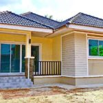 บ้านชั้นเดียวดีไซน์เรียบง่าย โทนสีครีมอบอุ่น หลังคาทรงปั้นหยา3 ห้องนอน 1 ห้องน้ำ พื้นที่ใช้สอย 104 ตร.ม.
