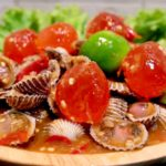 """ชวนทำ """"ตำหอยแครงไข่แดงเค็ม"""" จัดจ้านสะท้านลิ้น แซ่บนัวไปกับหอยแครงและไข่แดงเค็ม"""
