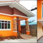 บ้านชั้นเดียวขนาดกะทัดรัด หลังคาทรงปีกนก โดดเด่นด้วยโทนสีส้มสดใส 4 ห้องนอน 2 ห้องน้ำ พื้นที่ใช้สอย 98 ตร.ม.