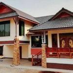 บ้านชั้นเดียวเล่นระดับทรงไทยประยุกต์ 3 ห้องนอน 2 ห้องน้ำ ที่จอดรถยนต์ 2 คัน พื้นที่ใช้สอย 190 ตร.ม.