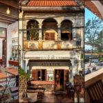 """Atelier Kampot ตึกแถวที่ถูกรีโนเวทให้กลายเป็น """"คาเฟ่สไตล์โคโลเนียล"""" ท่ามกลางบรรยากาศสงบของเมืองกัมโพช ประเทศกัมพูชา"""