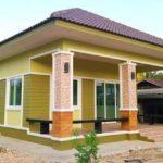 บ้านร่วมสมัยชั้นเดียวขนาดกะทัดรัด โทนสีเหลืองมัสตาร์ด 2 ห้องนอน 1 ห้องน้ำ พร้อมเฉลียงพักผ่อนหน้าบ้าน