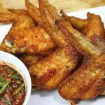 """แชร์วิธีทำ """"ปีกไก่ทอดน้ำปลา"""" สูตรกรอบนอกนุ่มใน ทานคู่กับน้ำจิ้มแจ่ว อร่อยถูกใจทั้งเด็กและผู้ใหญ่"""