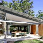 บ้านพักตากอากาศ ดีไซน์ตัวบ้านแบบเปิดโล่ง โอบล้อมด้วยแมกไม้และธรรมชาติอันแสนสดชื่น