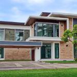 บ้านสองชั้นสไตล์โมเดิร์น ดีไซน์สุดหรูครบทุกฟังก์ชัน 4 ห้องนอน 4 ห้องน้ำ พื้นที่ 270 ตร.ม.