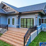 บ้านชั้นเดียวสไตล์คอนเทมโพรารี โทนสีน้ำเงิน ดีไซน์หลังคาทรงจั่วเล่นระดับ 3 ห้องนอน 3 ห้องน้ำ