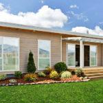 แบบบ้านไม้ทรงหน้ากว้าง อบอุ่นเรียบง่ายสไตล์มินิมอล 3 ห้องนอน 2 ห้องน้ำ พื้นที่ใช้สอย 131 ตารางเมตร