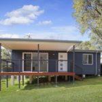 บ้านพักสไตล์โมเดิร์นบนเนินดิน พื้นที่ด้านในแบ่งเป็นสัดส่วน ตอบรับการใช้งานของคนยุคใหม่