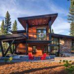 บ้านพักตากอากาศหลังใหญ่ ดีไซน์โมเดิร์น แฝงไปด้วยความอบอุ่น กลมกลืนกับธรรมชาติรอบด้าน