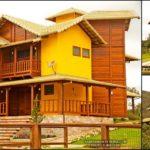 แบบบ้านไม้สองชั้น 3 ห้องนอน 3 ห้องน้ำ ออกแบบพื้นที่ใช้สอยกว้างขวางและโปร่งสบาย