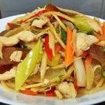 """เมนูเพื่อสุขภาพ """"ไก่ผัดขิง"""" เนื้อไก่แน่นๆ คลุกเคล้ากับสมุนไพรไทยที่มากคุณประโยชน์"""